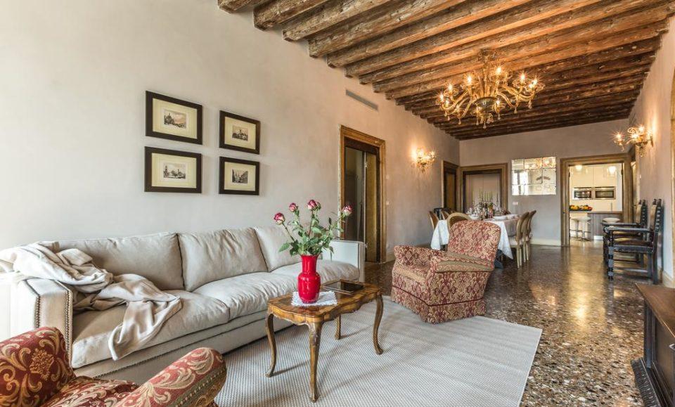 Апартаменты в центре Венеция Местре, 2 остановки от Венеции, регион Венето