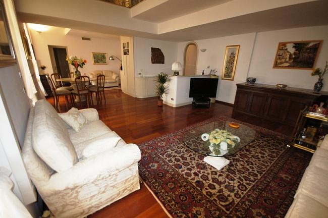 Эксклюзивная двухуровневая квартира в исторической резиденции, Сан Ремо, Лигурия