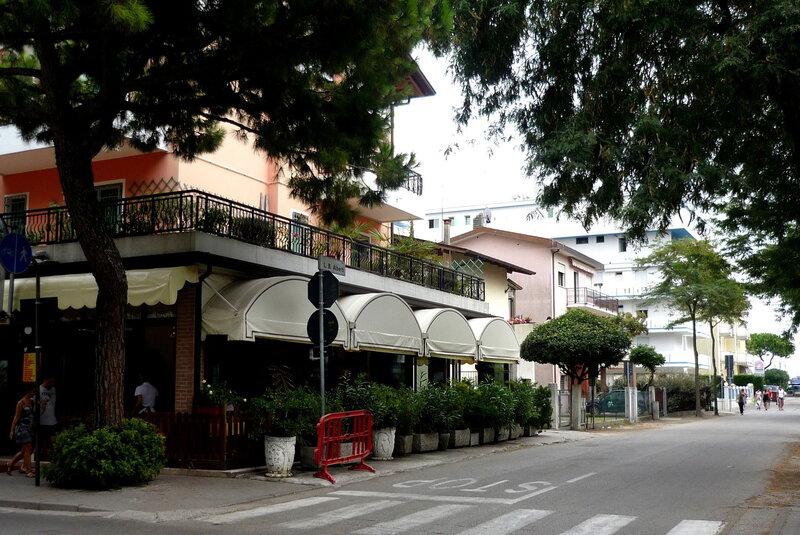 Квартиры и виллы в новом коттеджном поселке в Лидо ди Езоло, Венеция