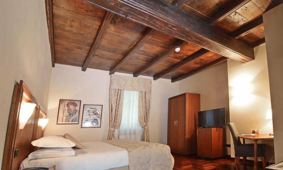 Элегантные апартаменты в старинном доме, Кунео, Пьемонт